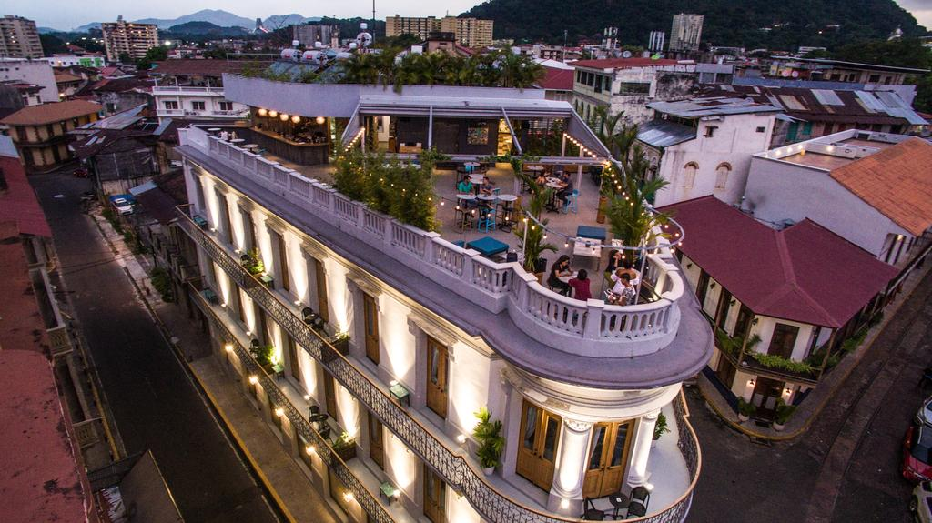 Numen Gastro Lounge is the rooftop lounge and bar of La Concordia Hotel in Casco Viejo