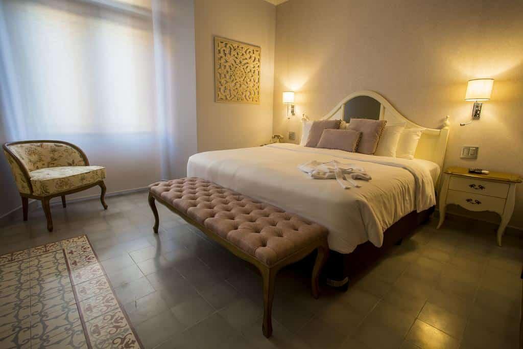 Cada habitación tiene su propia decoración en La Concordia Boutique Hotel