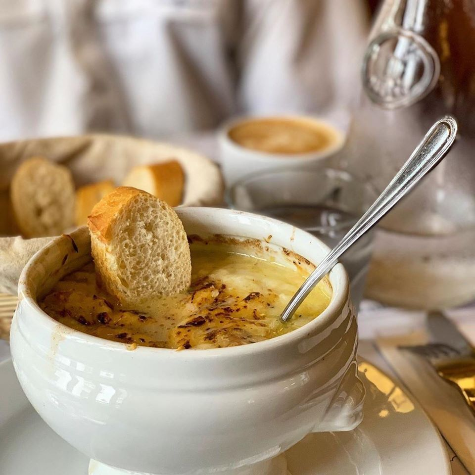Onion soup of Lesseps Bistro Cafe