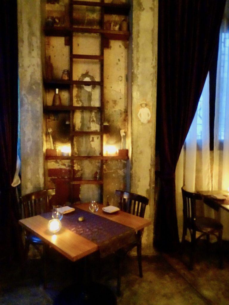 La antigua ubicación del restaurante Donde José era bastante pequeña y solo podía acomodar 14 comensales a la vez