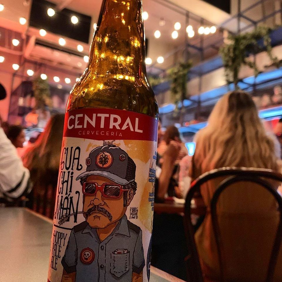 Fonda Lo Que Hay offers craft beer options like Cerveceria Central, which is a Panamanian brewery