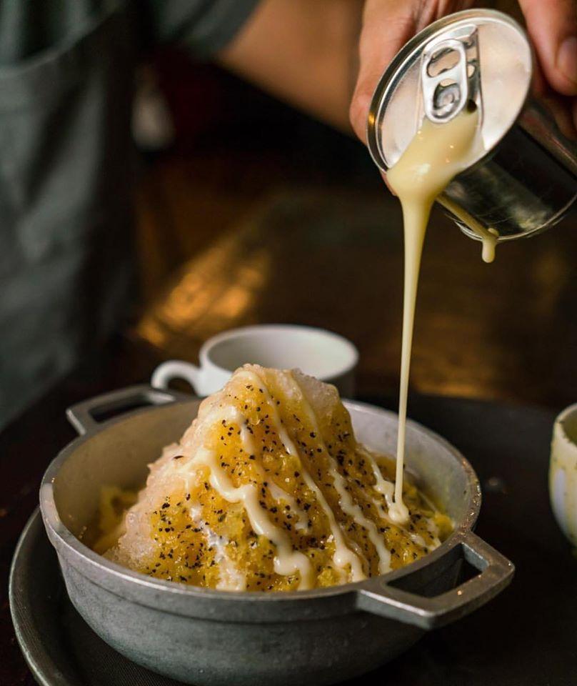 Passion fruit raspao with condensed milk  at Fonda Lo que hay