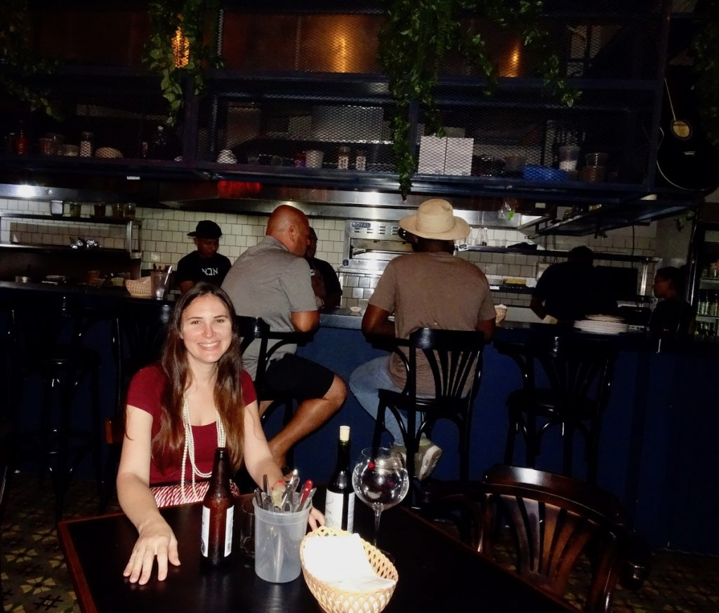 Blog owner Ursula Kiener doing a restaurant review of Fonda Lo Que Hay