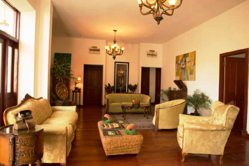 sala de estar del apartamento en Casa Sucre Boutique Hotel