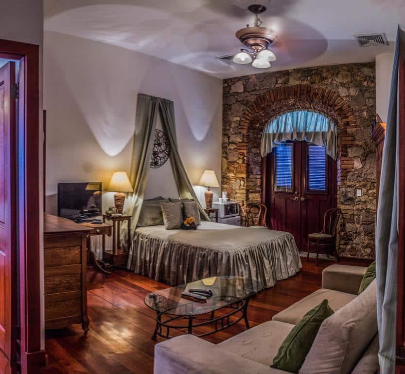 Calicanto bedroom in Casa Sucre Boutique Hotel