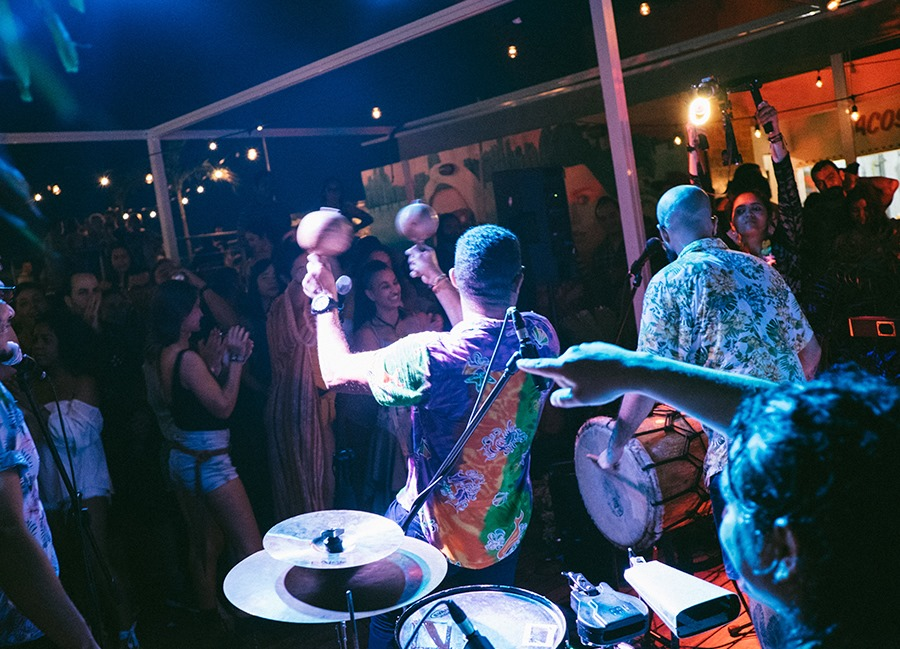 the rooftop of Selina Casco Viejo usually has live entertainment