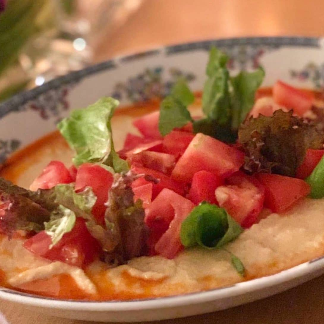 Hummus del restaurante MED de Villa Palma Boutique Hotel