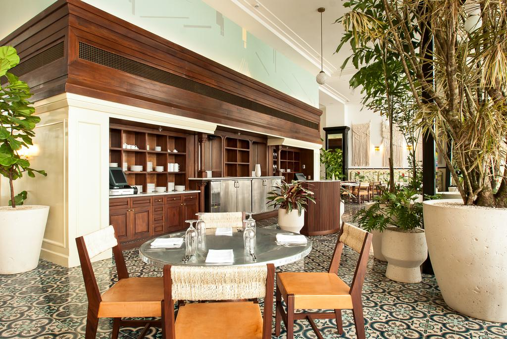 Table of The Dining Room restaurant of  American Trade Hotel in Casco Viejo