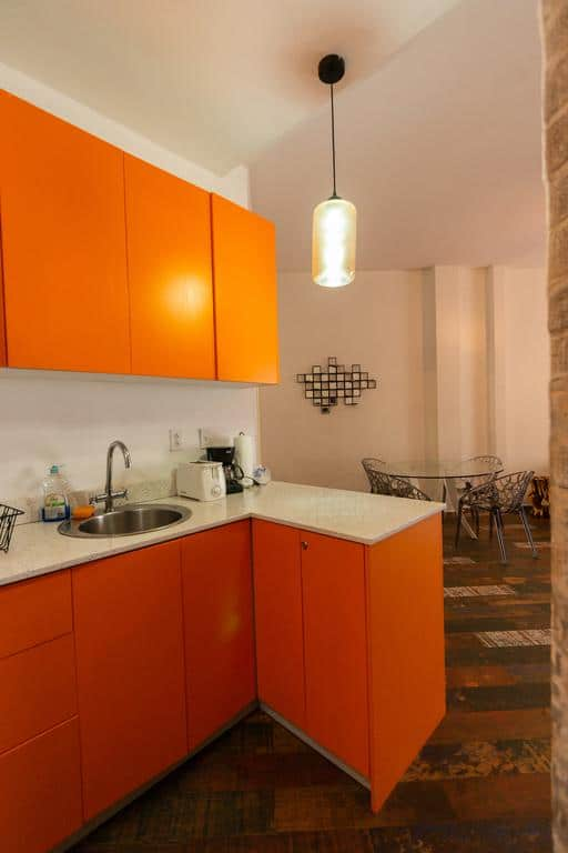 kitchen and dining table of Charming Apartment in Casco Viejo