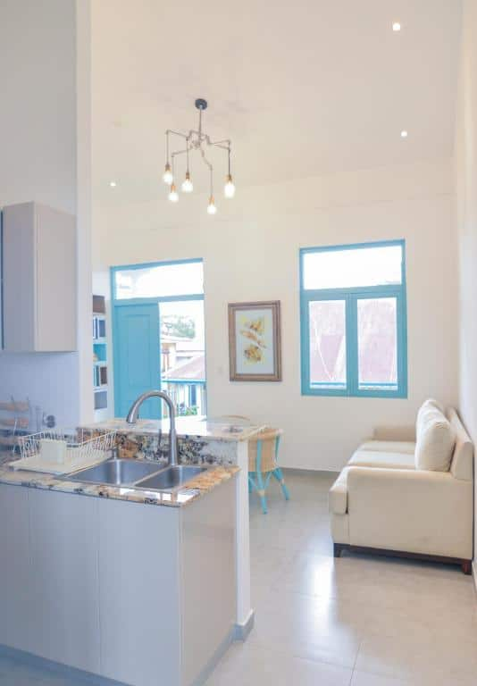 kitchen and living room of  apartment 1A in Flor de Lirio Casco Viejo
