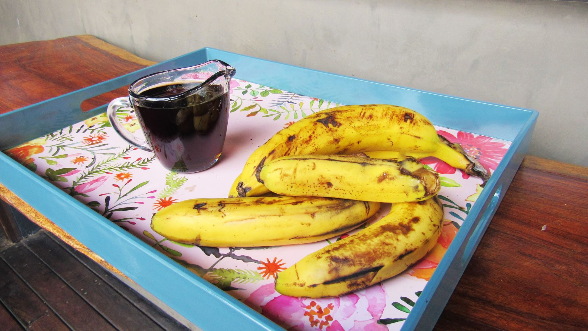bananas and syrup at Lunas Castle Hostel