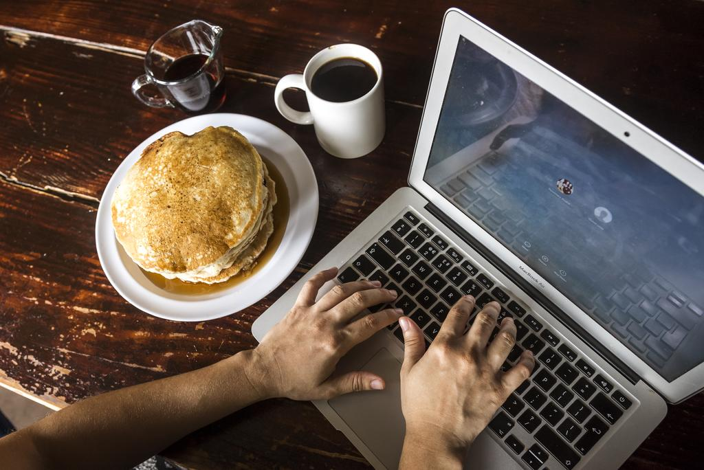 pancakes and coffee while working at Lunas Castle Hostel