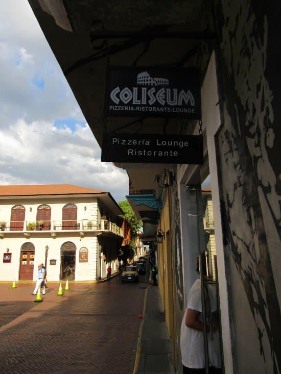 Coliseum Roma Restaurant in Gatto Blanco Party Hotel building in Casco Viejo