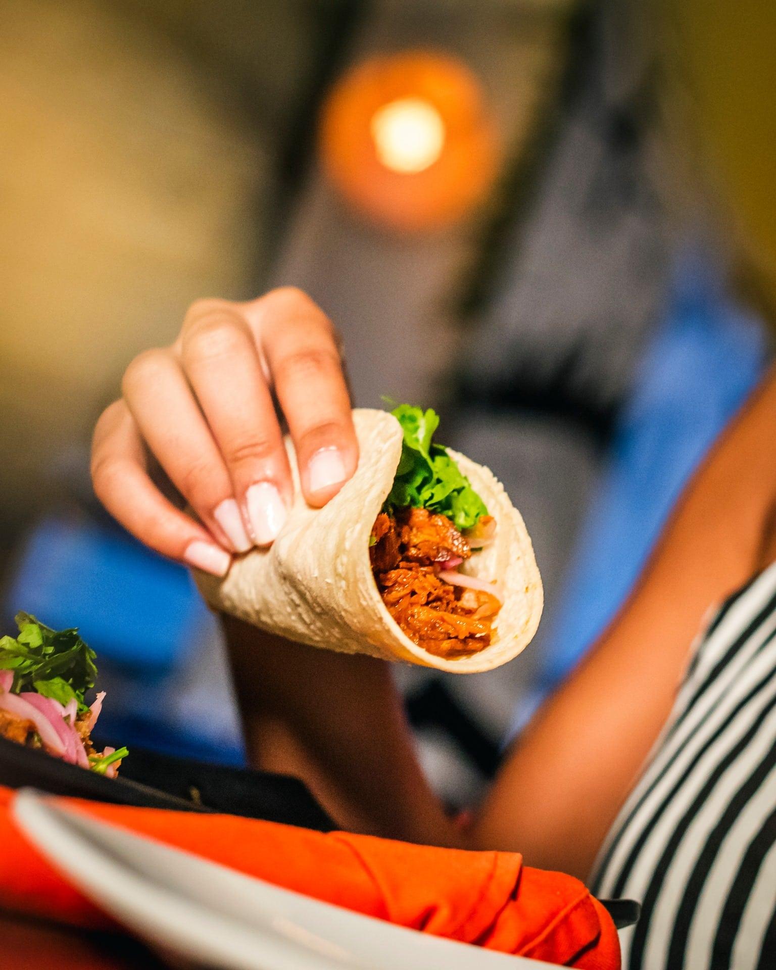 Open tacos generalmente se hacen los martes en Tantalo Kitchen