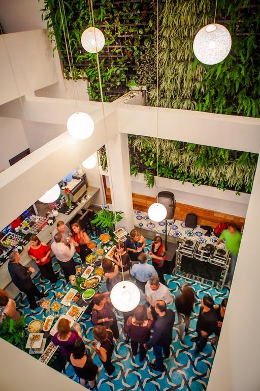 Vista del atrio desde arriba en el Hotel Tantalo