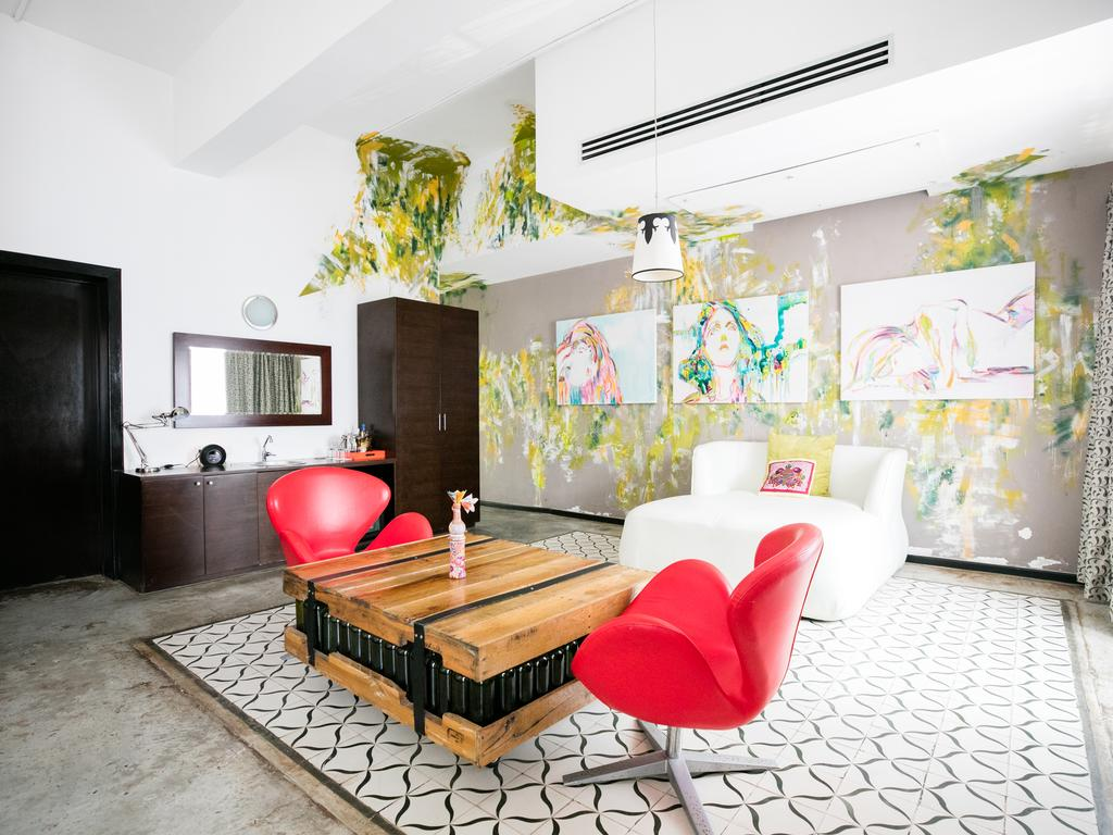 Geo-Orga Suite at Tantalo Hotel