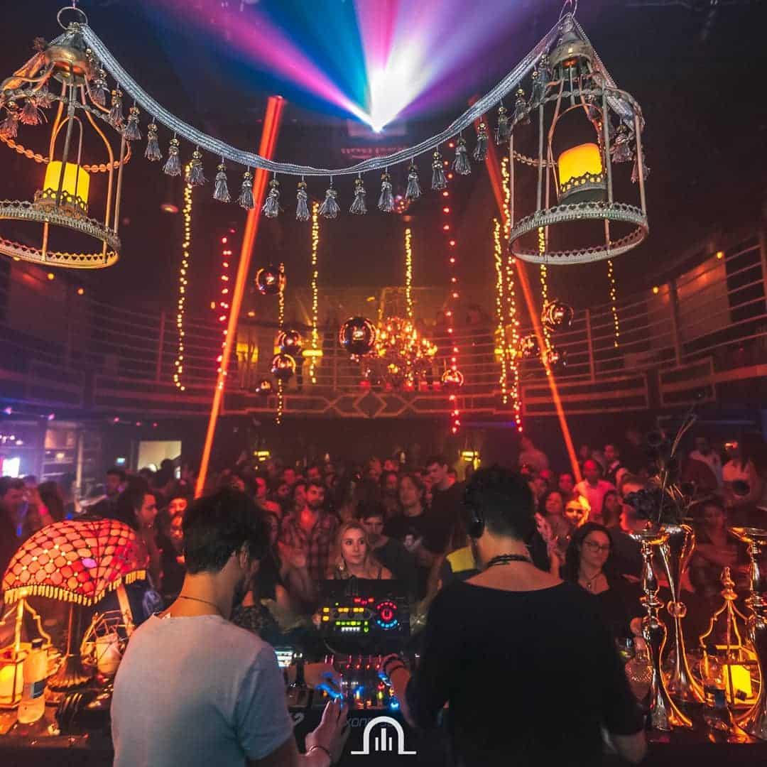El club Teatro Amador se decora según los eventos