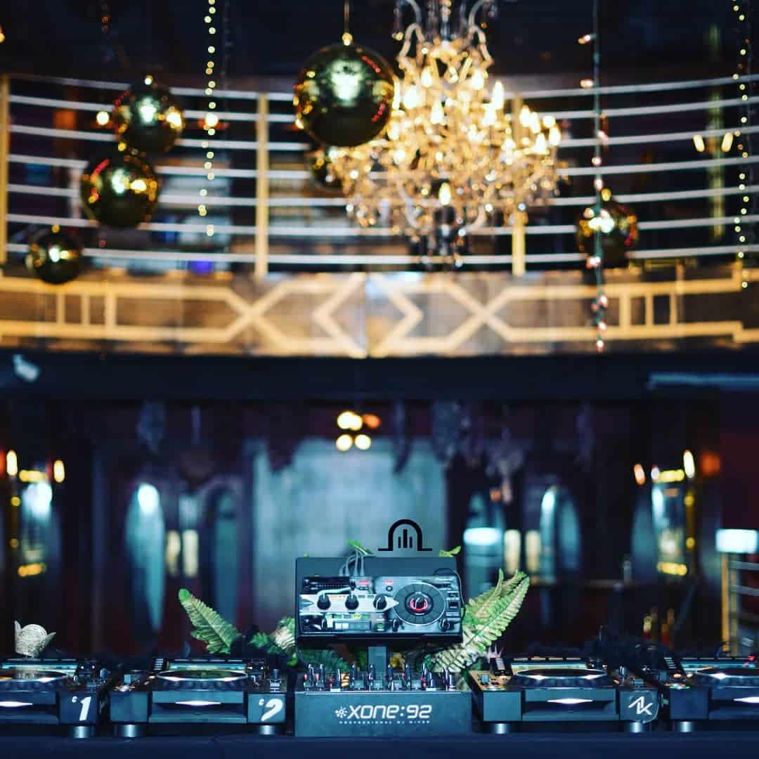 DJ equipment in Teatro amador casco viejo